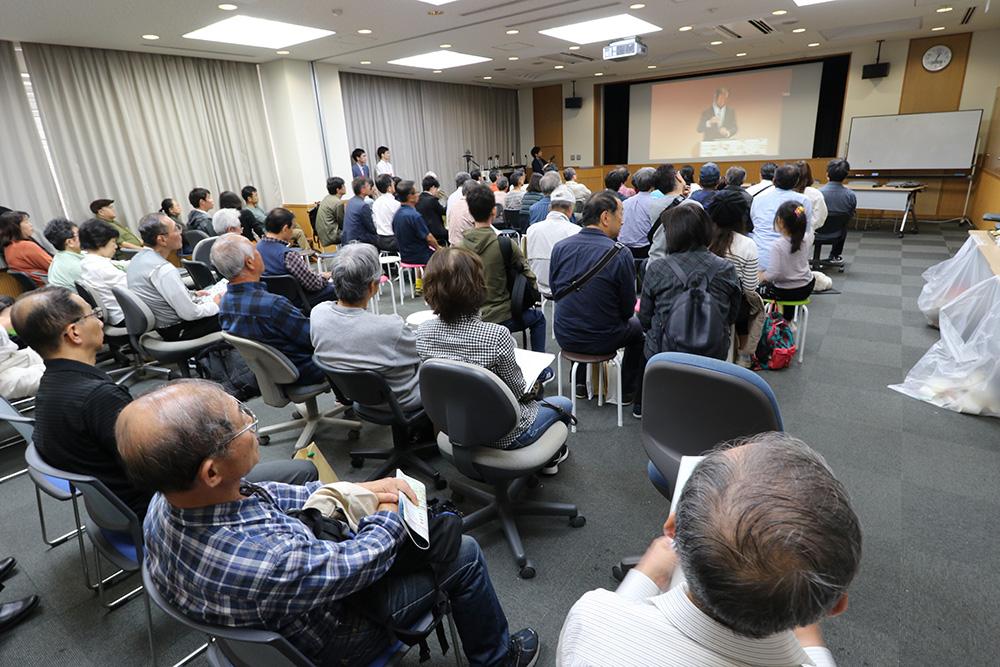 梶田所長講演サテライト会場@宇宙線研.jpg