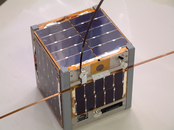 学生が設計・製作した質量1kgの人工衛星CubeSat-XI [さい]